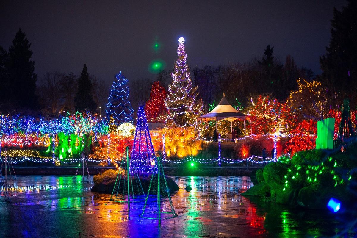 VAN GARDEN 1 - Van Dusen Gardens Christmas Lights 2019